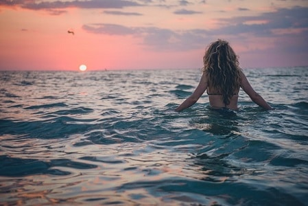 Pelo ondulado playa